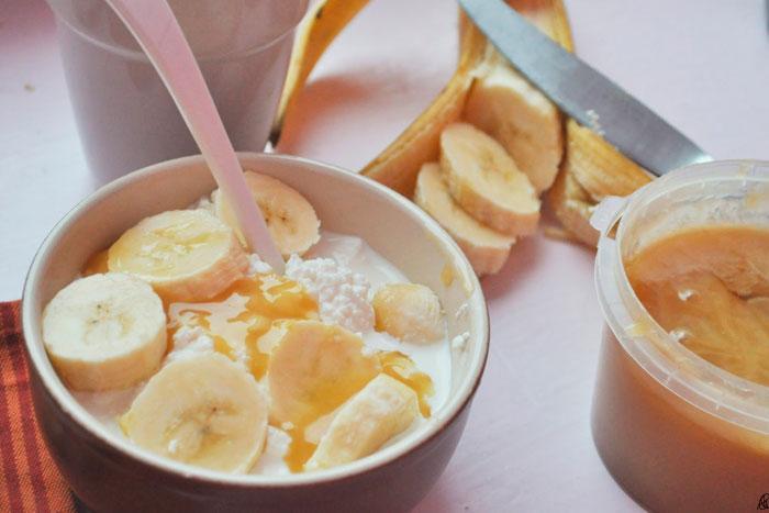 десерт с творогом яблоком и бананом